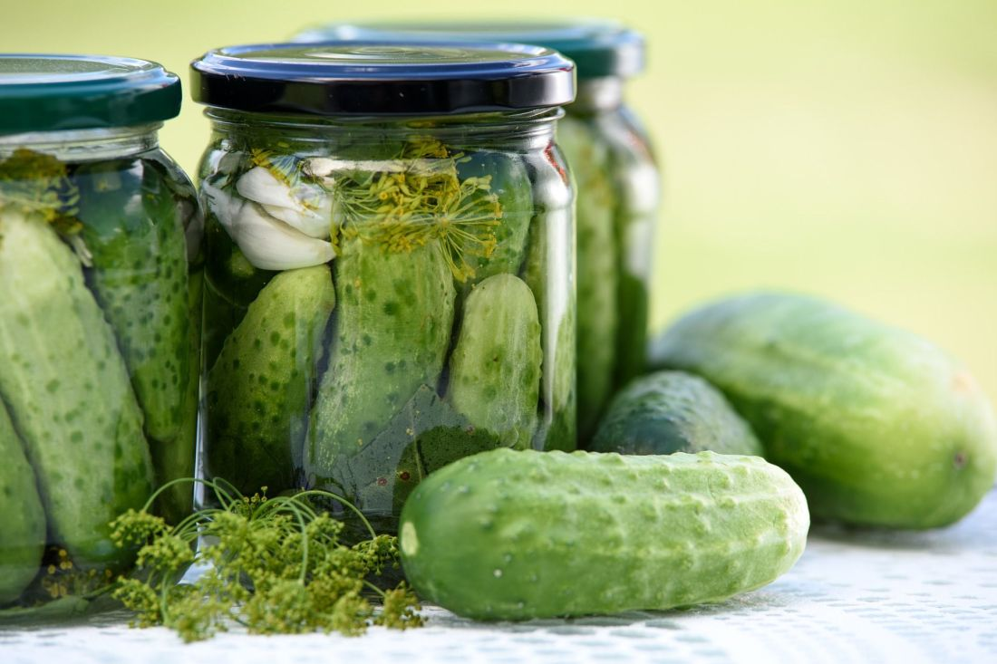 pickled-cucumbers-1520638_1920